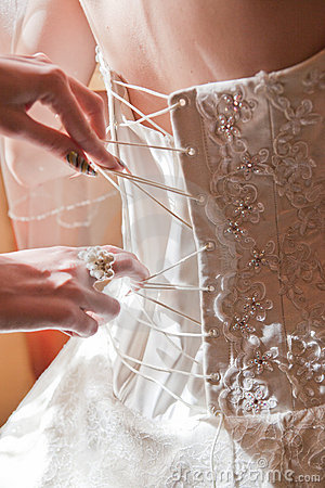 bride-dress-preparation-wedding